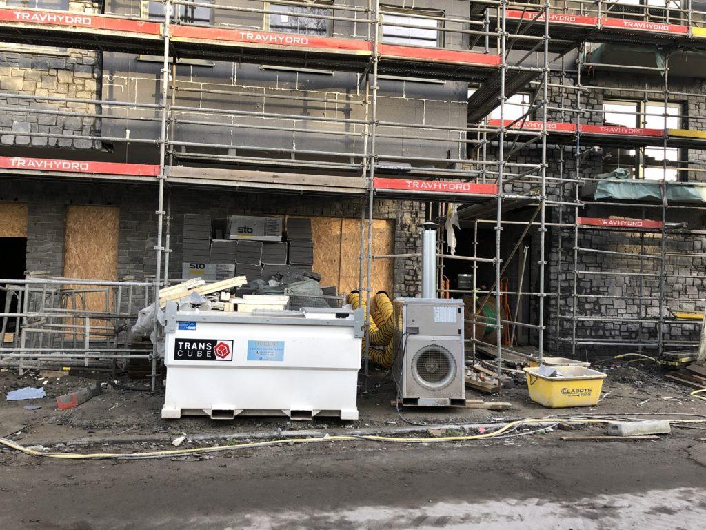 Tijdelijke verwarming op mazout op de bouw